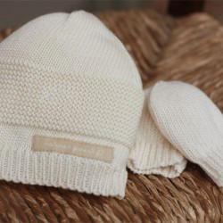 NATURES KNITS HAT AND MITTENS